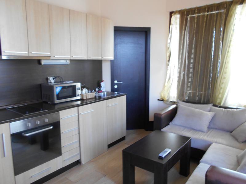 drei zimmer wohnung mit wundersch nem ausblick id 10023. Black Bedroom Furniture Sets. Home Design Ideas